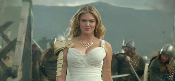 Kate Upton gör reklam för Game of War.